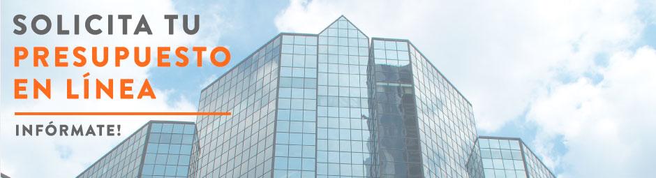 Edificio de oficinas desde abajo